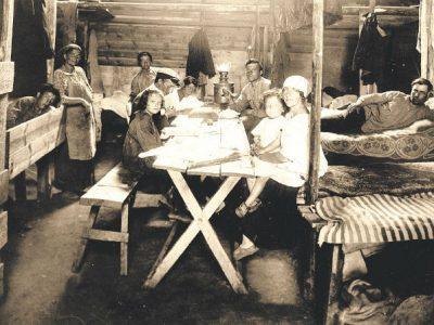 Колоністи спершу жили у тимчасових бараках. Крим, 1925 р. Архів Джойнта