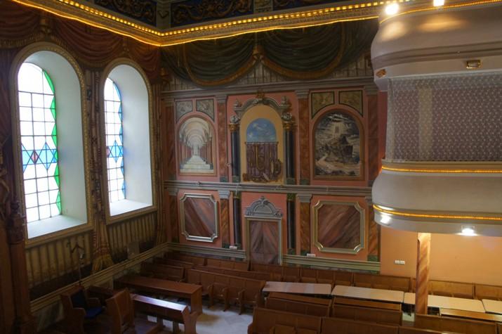 4 interjer lvovskoj synagogy