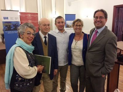Lili Stern-Pohlmann with family, friends and UJE Board Member Wolf Moskovich after the presentation.