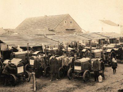 Машинно-тракторна база Агро-Джойнта у м. Джанкой, Крим, 1929 р. Фото: Б. Бюлер. Інститут єврейських досліджень, Нью-Йорк