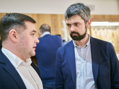 Vladyslav Hrynevych, UJE's Regional Manager, Ukraine (left); Anton Drobovych, Director of Ukraine's Institute of National Remembrance (right).