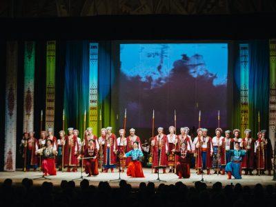 Виступ артистів під час святкової програми на честь відкриття заключного етапу XXII Всеукраїнської учнівської Олімпіади з історії, 24 березня 2017 року, м. Черкаси (Україна).