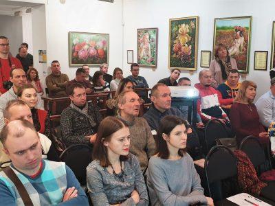 Відвідувачі урочистої церемонії нагородження у приміщенні «Музея-майстерні Івана Кавалерідзе» в Києві, 14 грудня 2019 року.